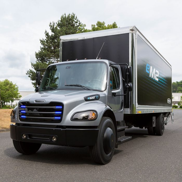 Freigthliner-electric-medium-duty-truck